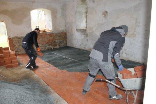 Neuer Fußboden für die Kutscherstube 2017, Foto: Eike von Watzdorf