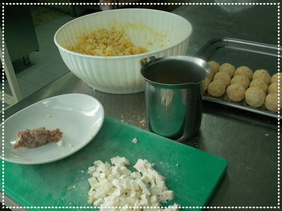 Preparazione supplì di riso