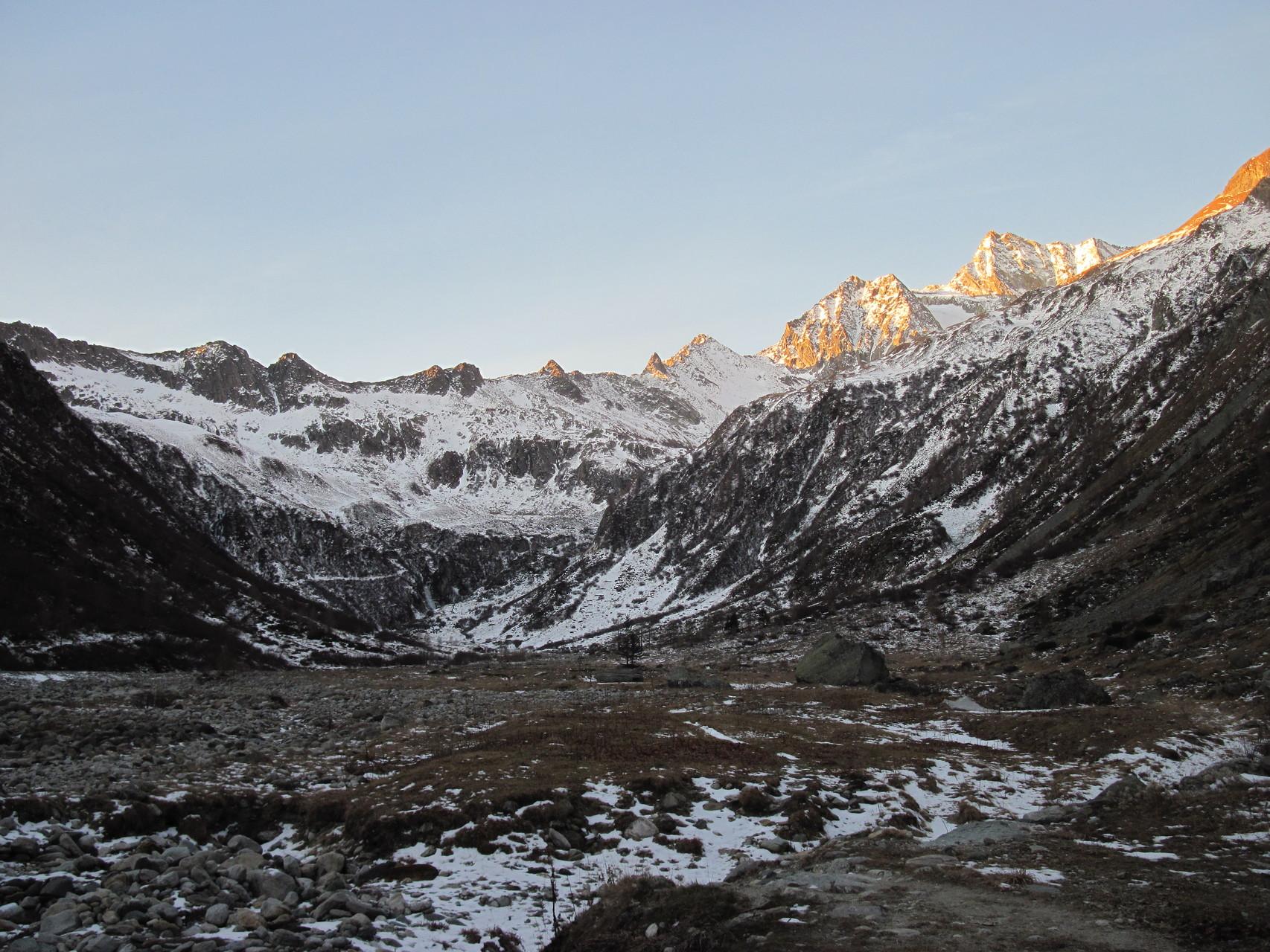 Morgens früh im Zwischbergental
