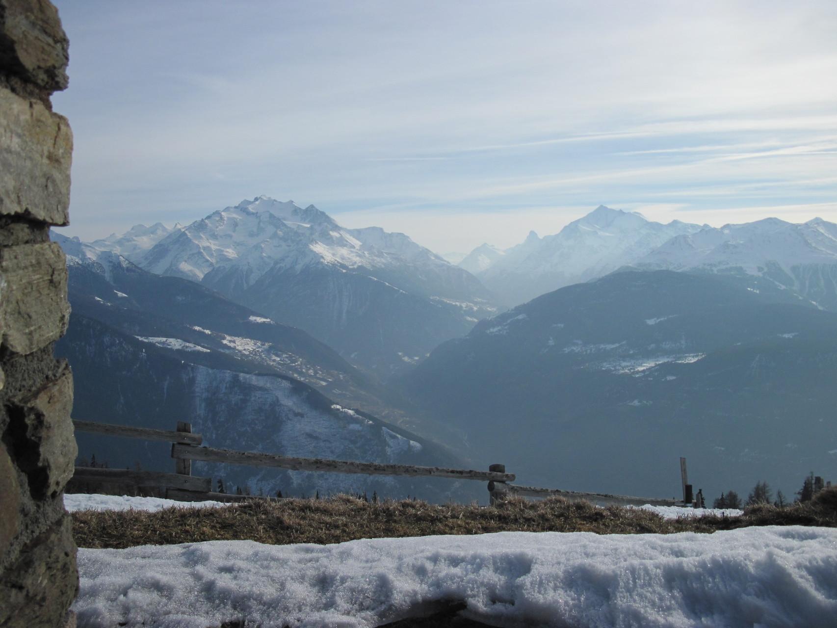 Blick nach Süden (Mischabelgruppe, Matterhorn, Weisshorn usw)