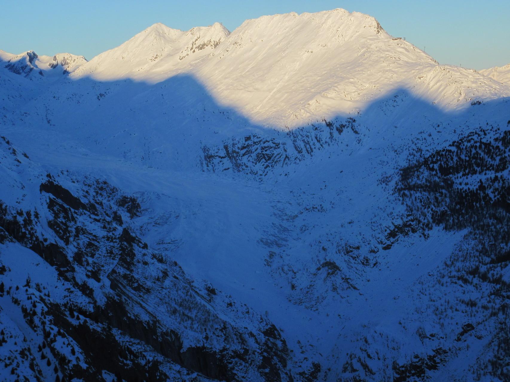 Der Grosse Aletschgletscher bereits im Schatten