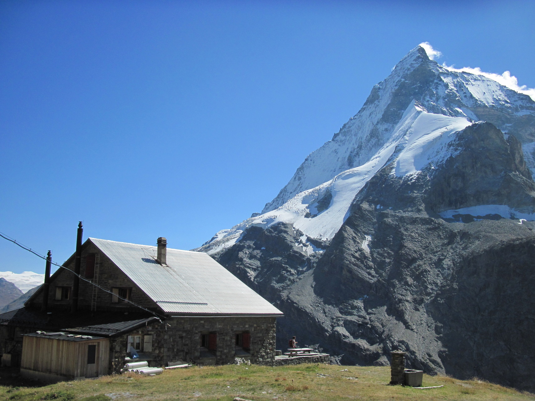 Hütte mit Matterhorn