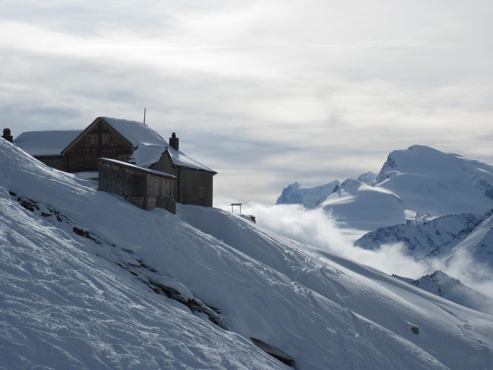 Weissmieshütte im Winterschlaf