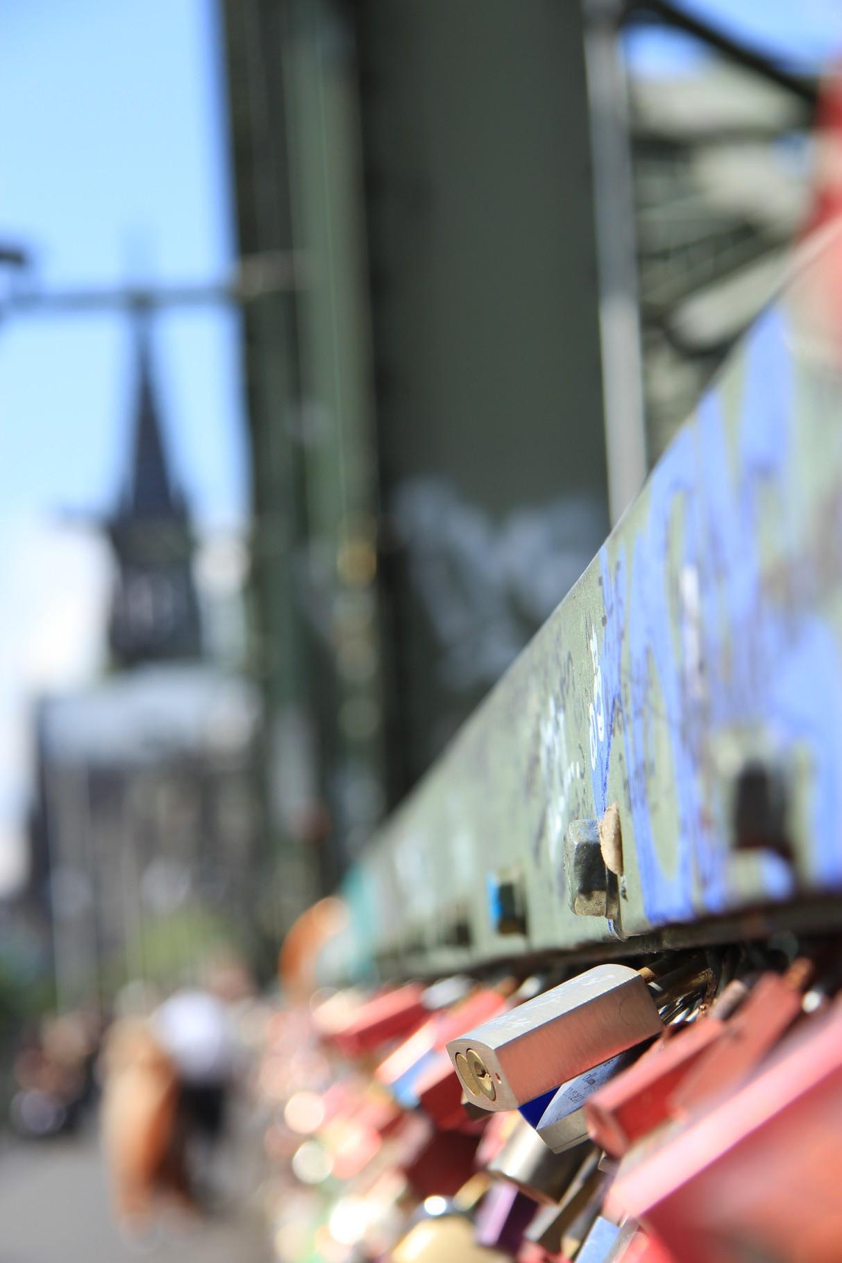 Kurzführung - Liebesschlösser auf der Hohenzollernbrücke