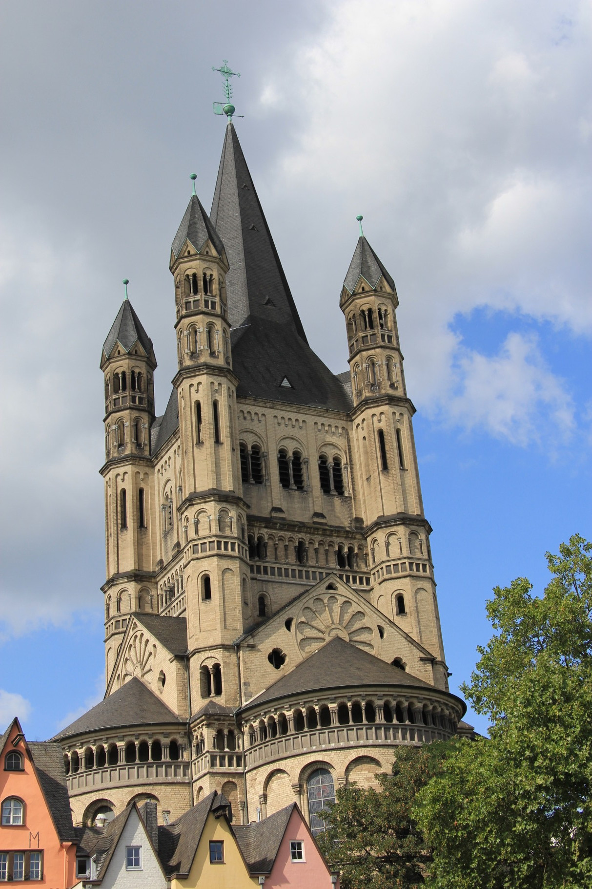Führung Romanische Kirchen - Groß St. Martin am Rhein (nahe Alter Markt und Heumarkt)