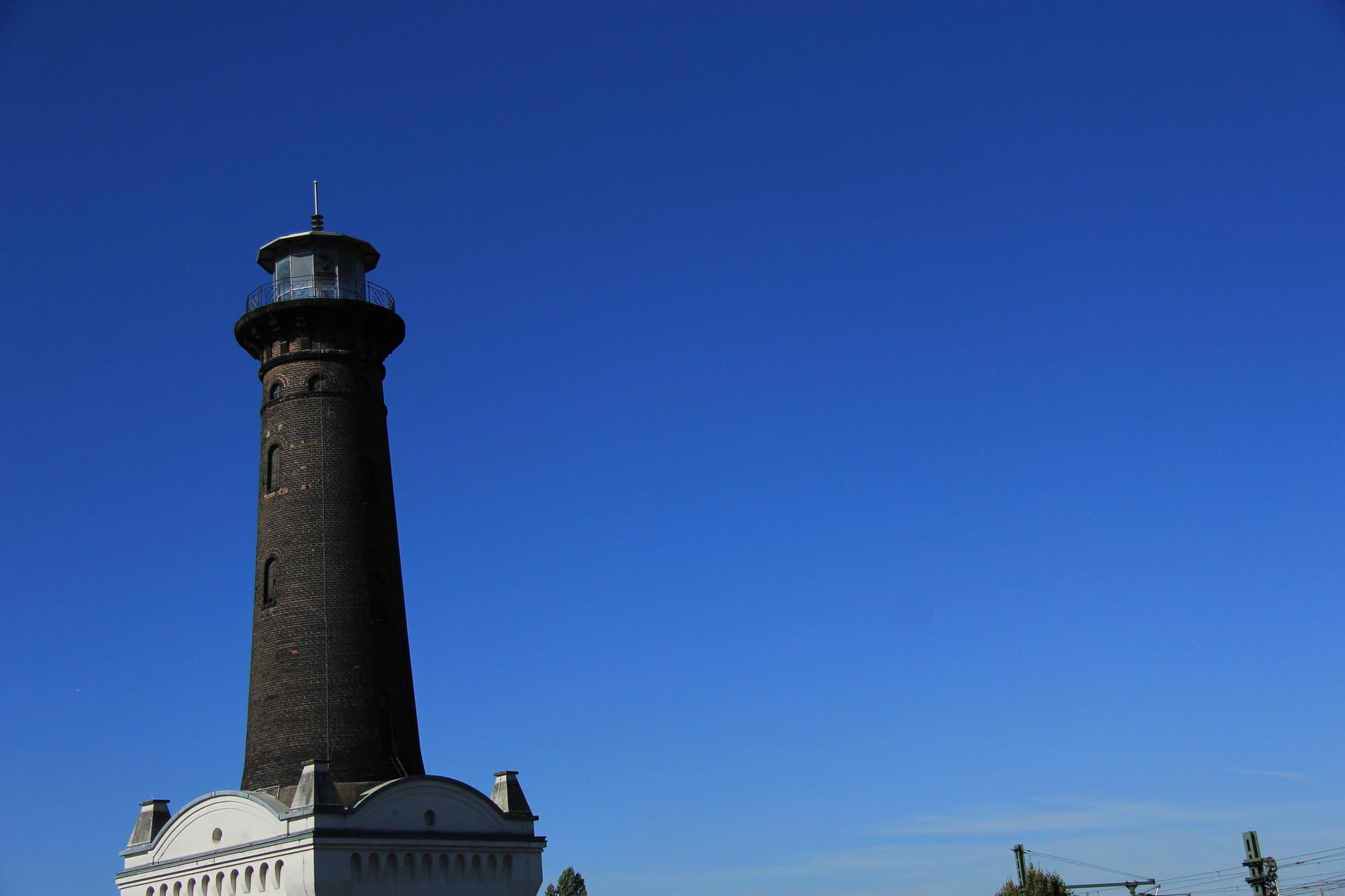 Auch der Helios-Leuchtturm, die Ikone dieses Viertels, begegnet uns bei der Tour durch Ehrenfeld.