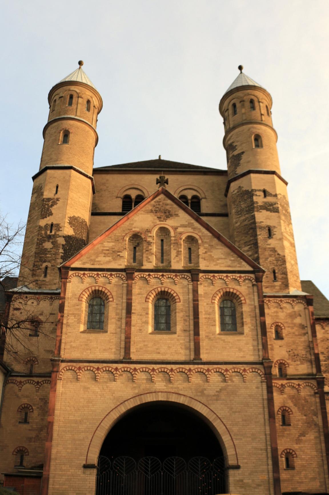 Führung Romanische Kirchen - St. Pantaleon: Westwerk (nahe Barbarossplatz)