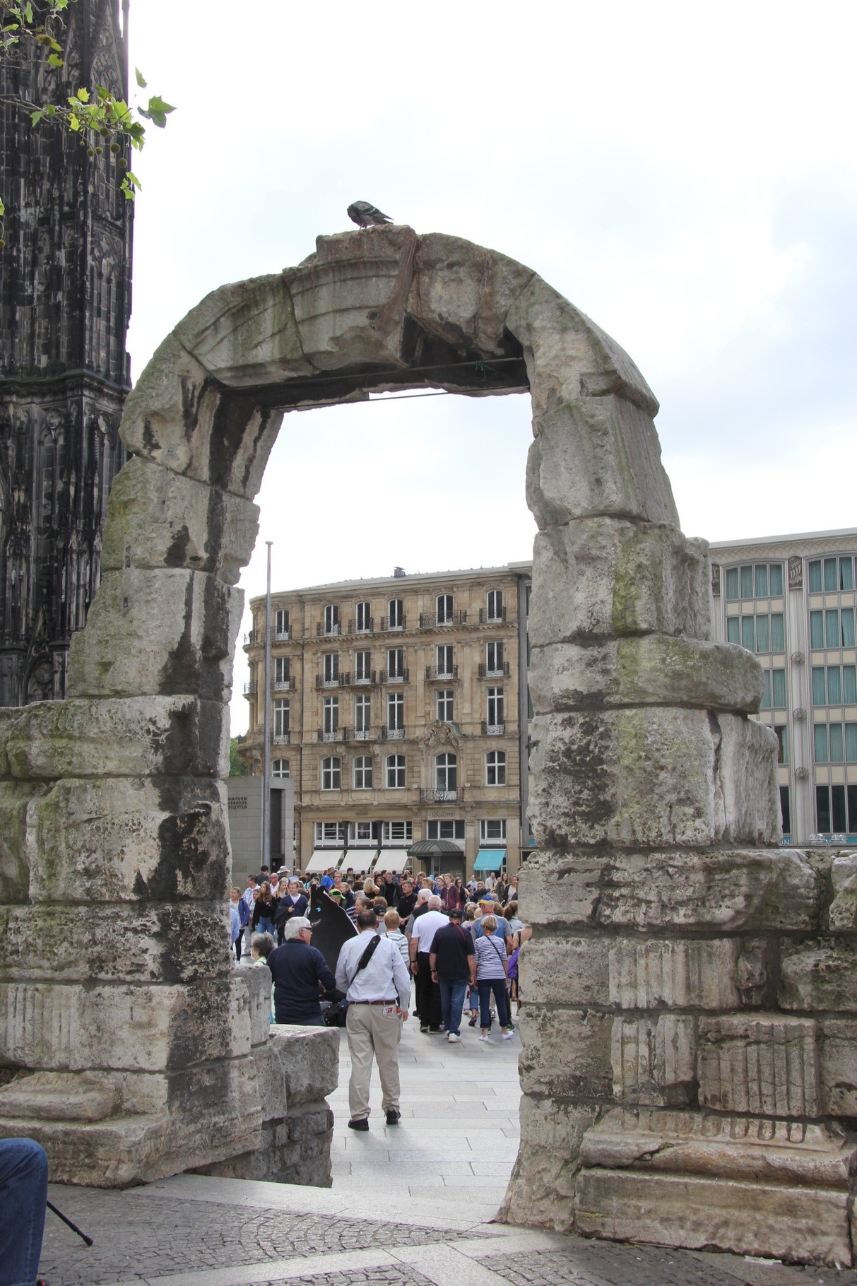 Kölsch & Römer - Seiteneingang des Römischen Nordtores (1. Jh.?)