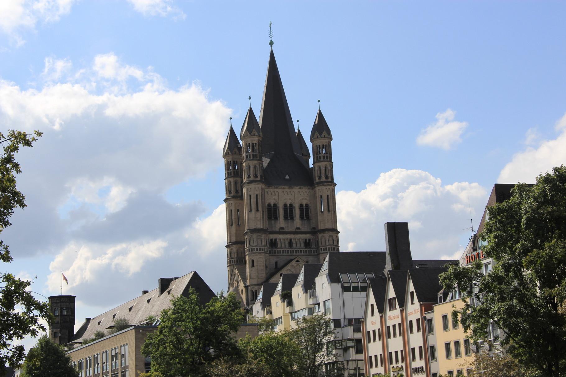 Kurzführung - Blick auf die Altstadt mit Groß St. Martin