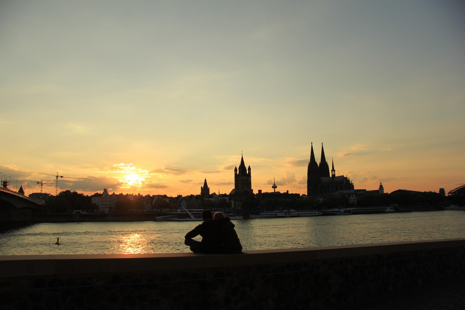 Geführte Fahrradtour - Sonnenuntergang am Rheinboulevard...