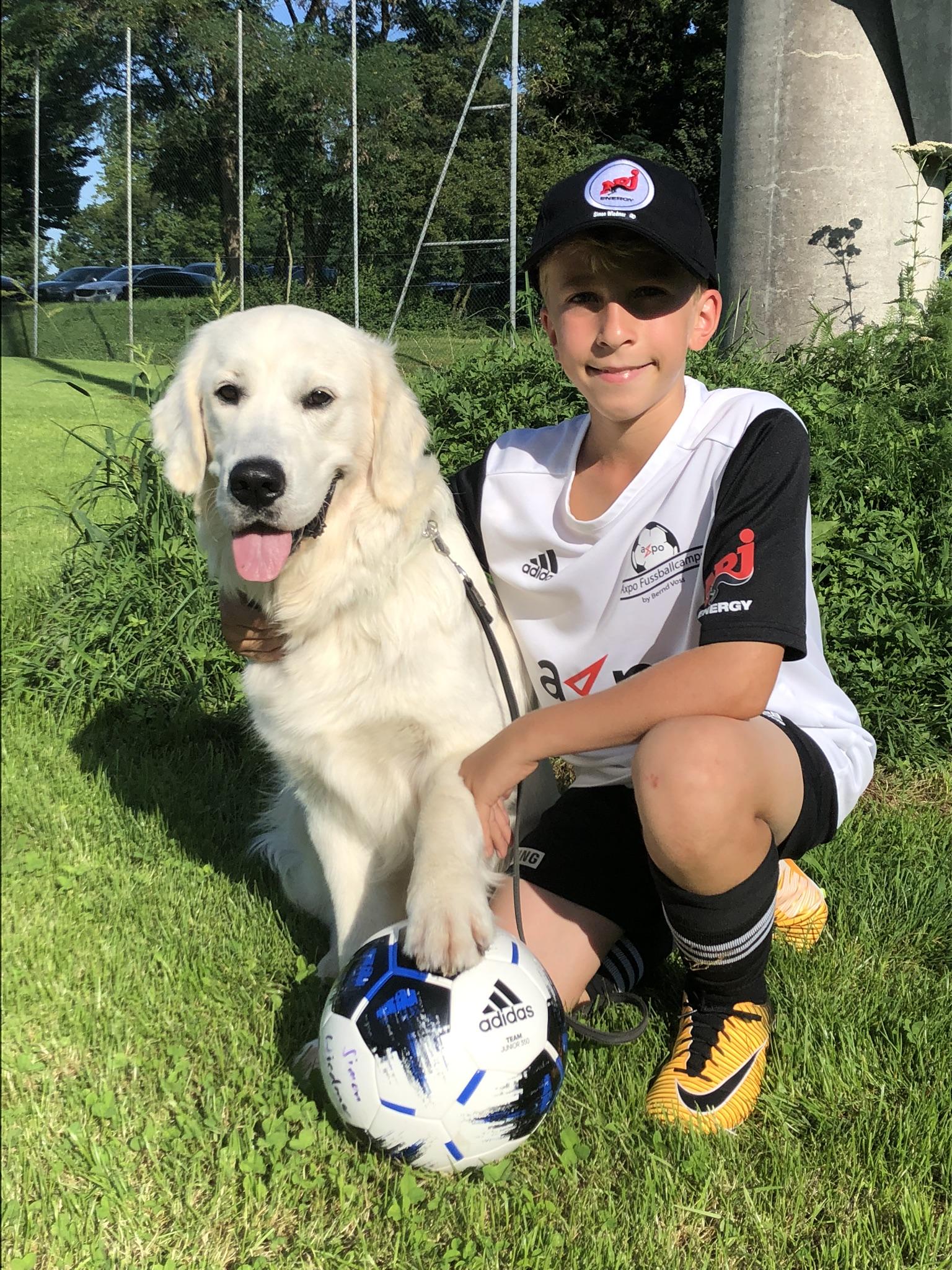 Mein Simon, Fussballnarr - so habe ich auch ganz schön viel Ahnung vom Fussball, habe schon oft zugeschaut...
