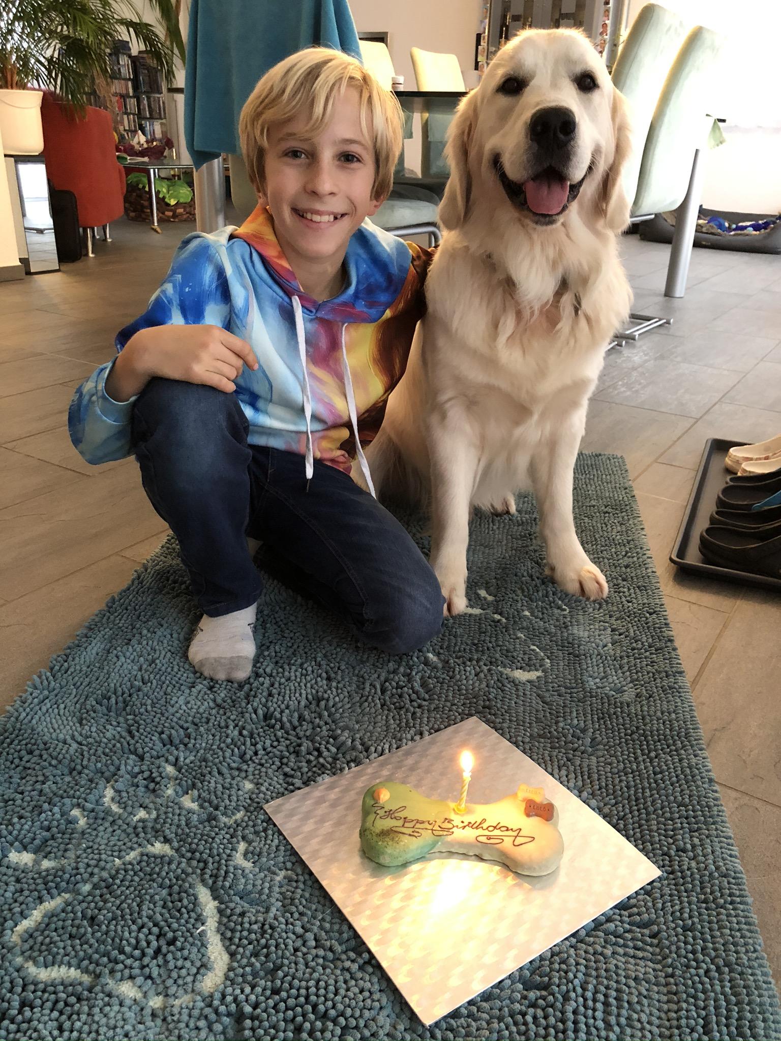 Auch ein Geburtstagskuchen darf nicht fehlen!