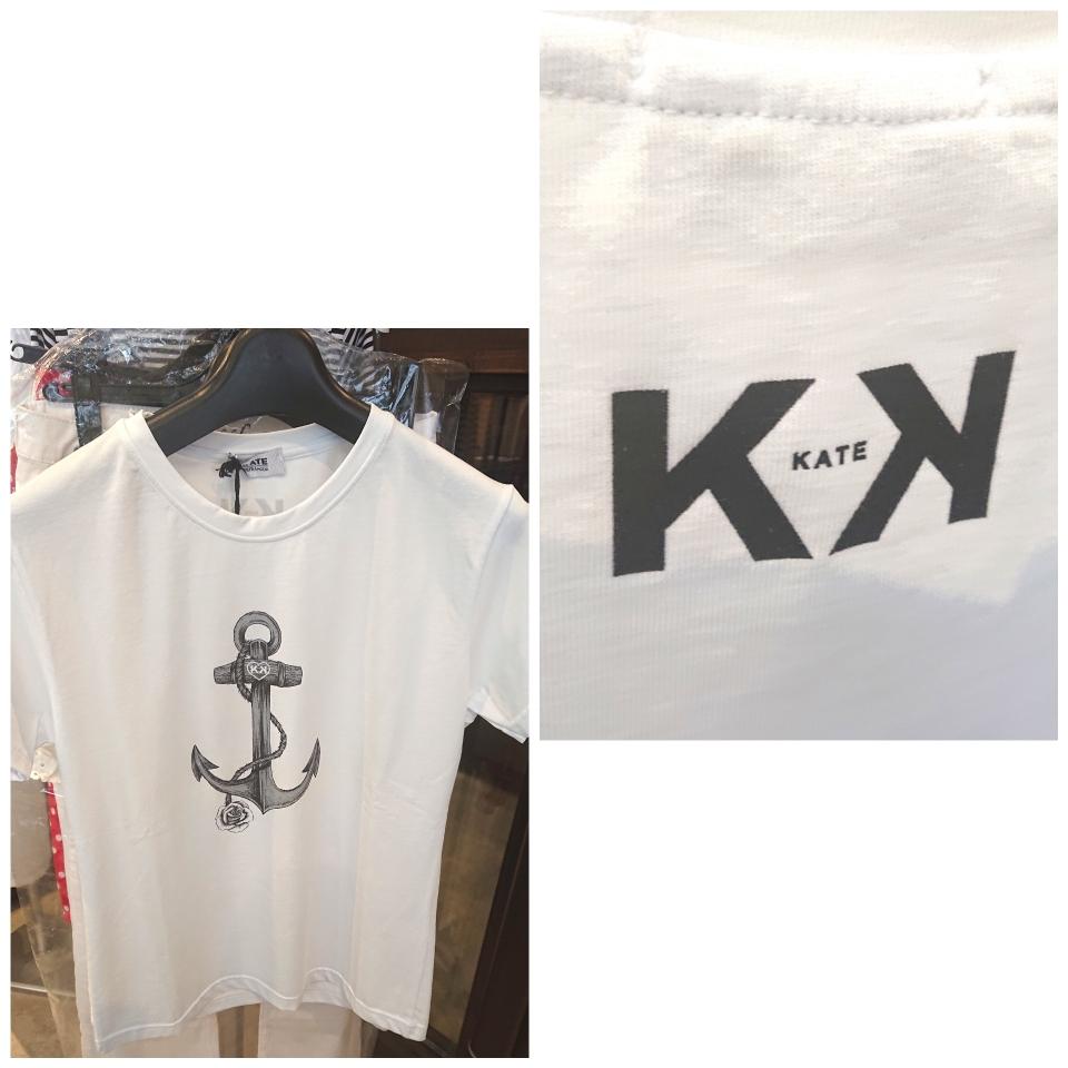 Tシャツ、バックにブランドロゴ¥9,000税別(ケイト・イタリア)