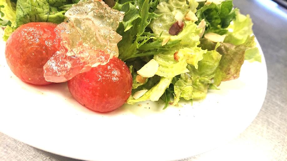 湯剥きトマトと塩レモンジュレ🍋