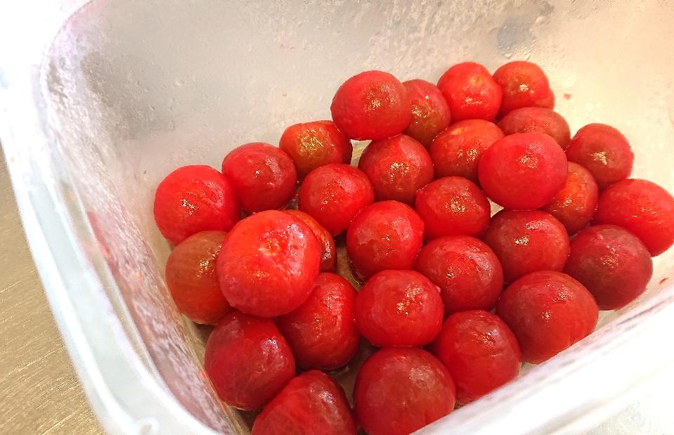 ミニトマトの湯剥き オリーブオイル漬け♥️