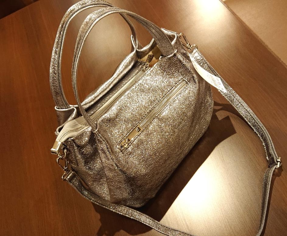 牛革のメタリックバッグ!¥24,000税別(グランデイタリア)