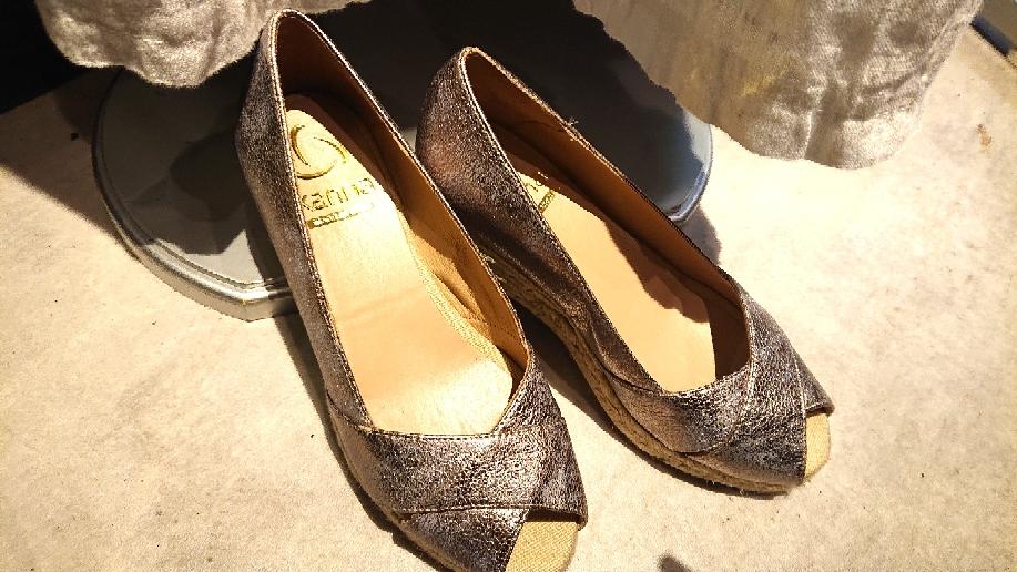 ゴールド系の靴❗Kanna(カンナ・スペイン)¥19,000+税
