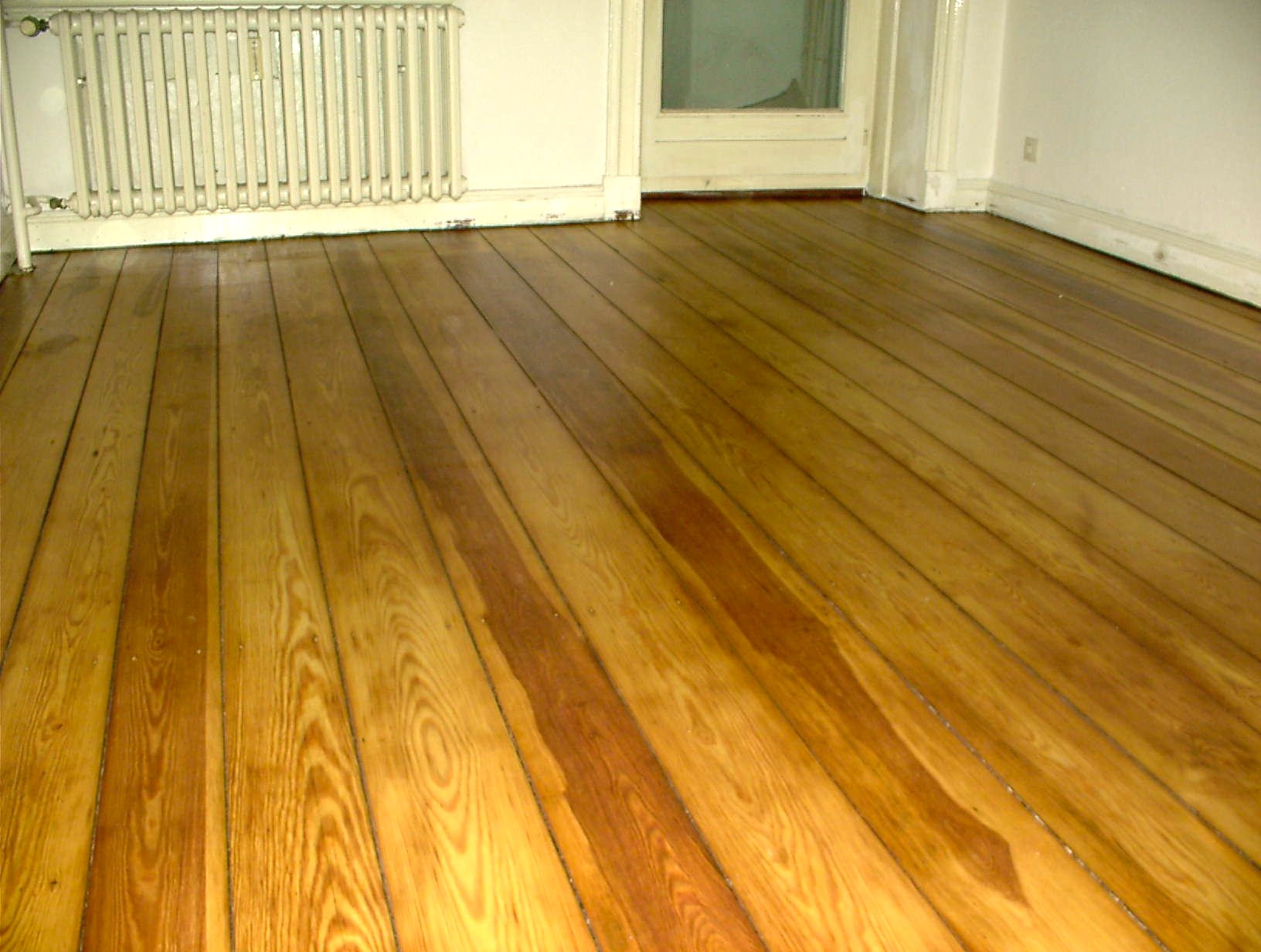 Sanding floorboards, Le Tonkinois high polish