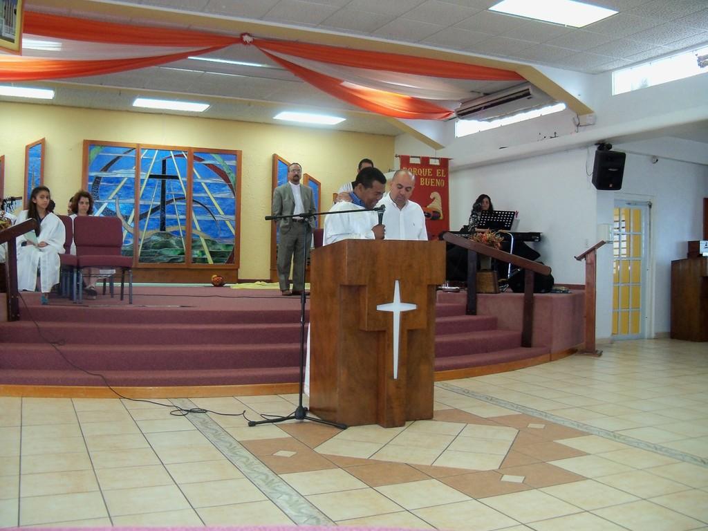 Julio Nunez testifica el milagro que Dios hizo en su vida