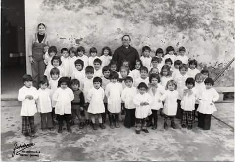 Tortolì Don Mereu con i bimbi della Scuola Materna - anno 1973 - 1974