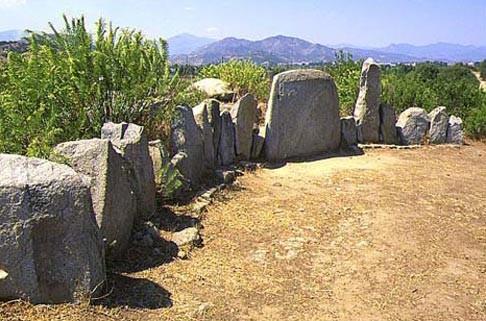 Parco Archeologico S.S. Salvatore - tomba dei giganti