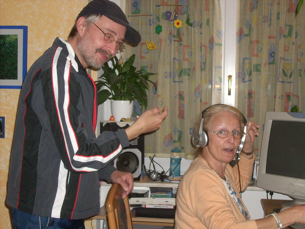 Bub ärgert Linde am Senden bei Ballermann-Radio.de Sendestudio Emmendingen