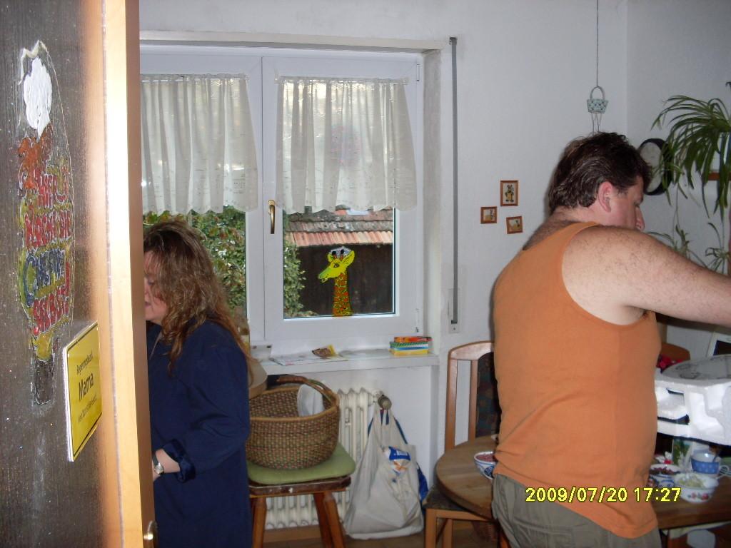 Manu und Ralf in der Küche