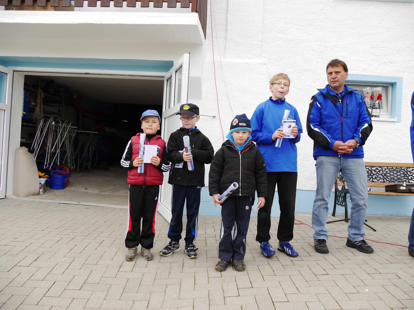 Diese Sportler bekamen ihren Mitgliedsausweis und sind ab heute Vereinsmitglieder. Viel Erfolg Tim Pulz, Jonas Welschke, Grischka Beck und Richard Wurch.