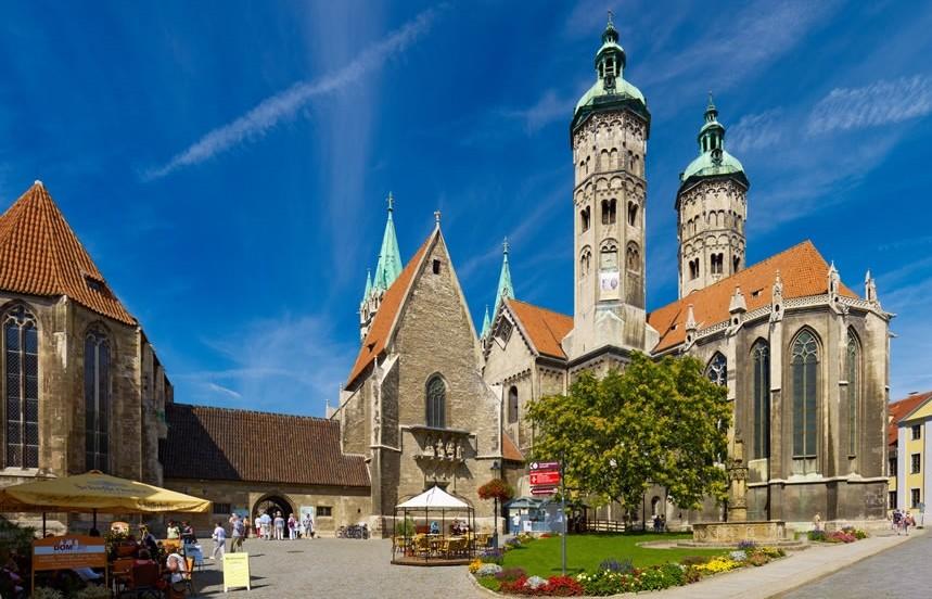 Naumburger Domplatz mit St. Peter und Paul - Foto: www.saaleradweg.de