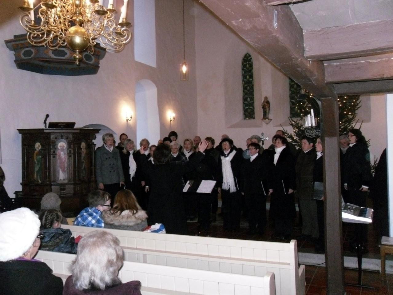 ...in einer ausgekühlten Kirche...