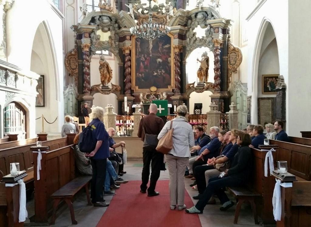 """in der Stadtkirche """"St. Wenzel""""; Wir lauschen den Klängen der ..."""