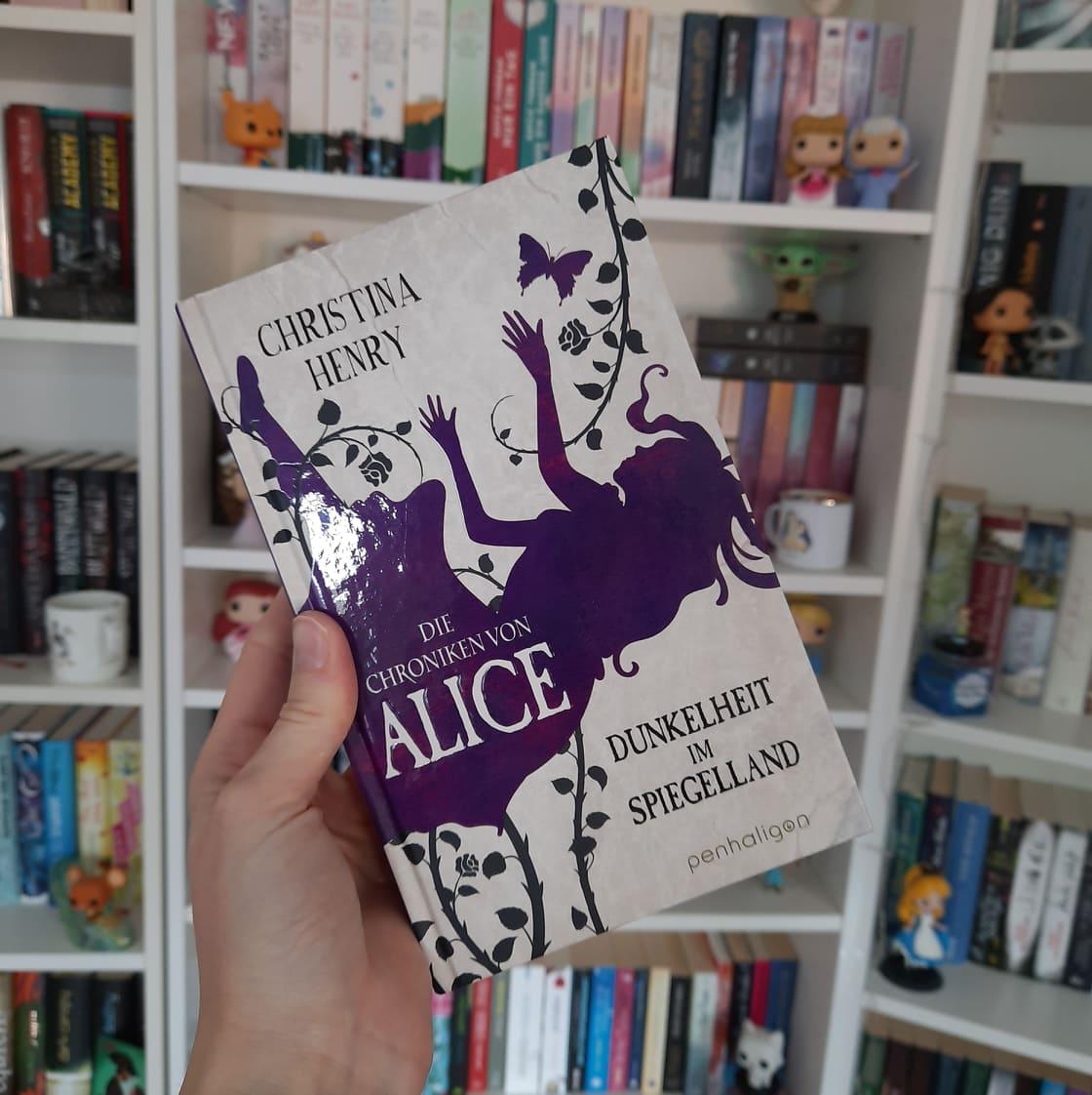 """Rezension """"Die Chroniken von Alice - Dunkelheit im Spiegelland"""""""