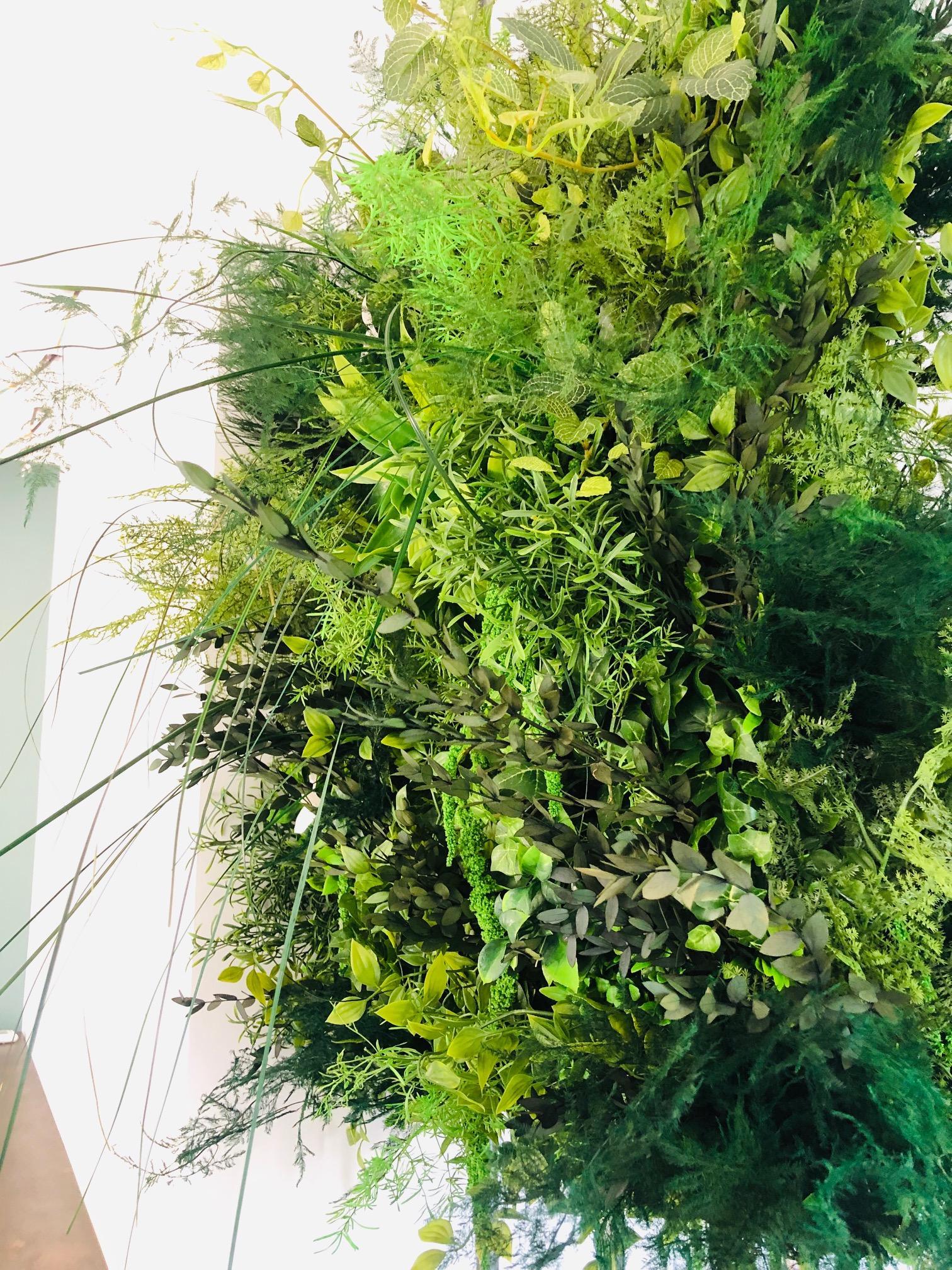 Composition en végétal artificiel haut de gamme