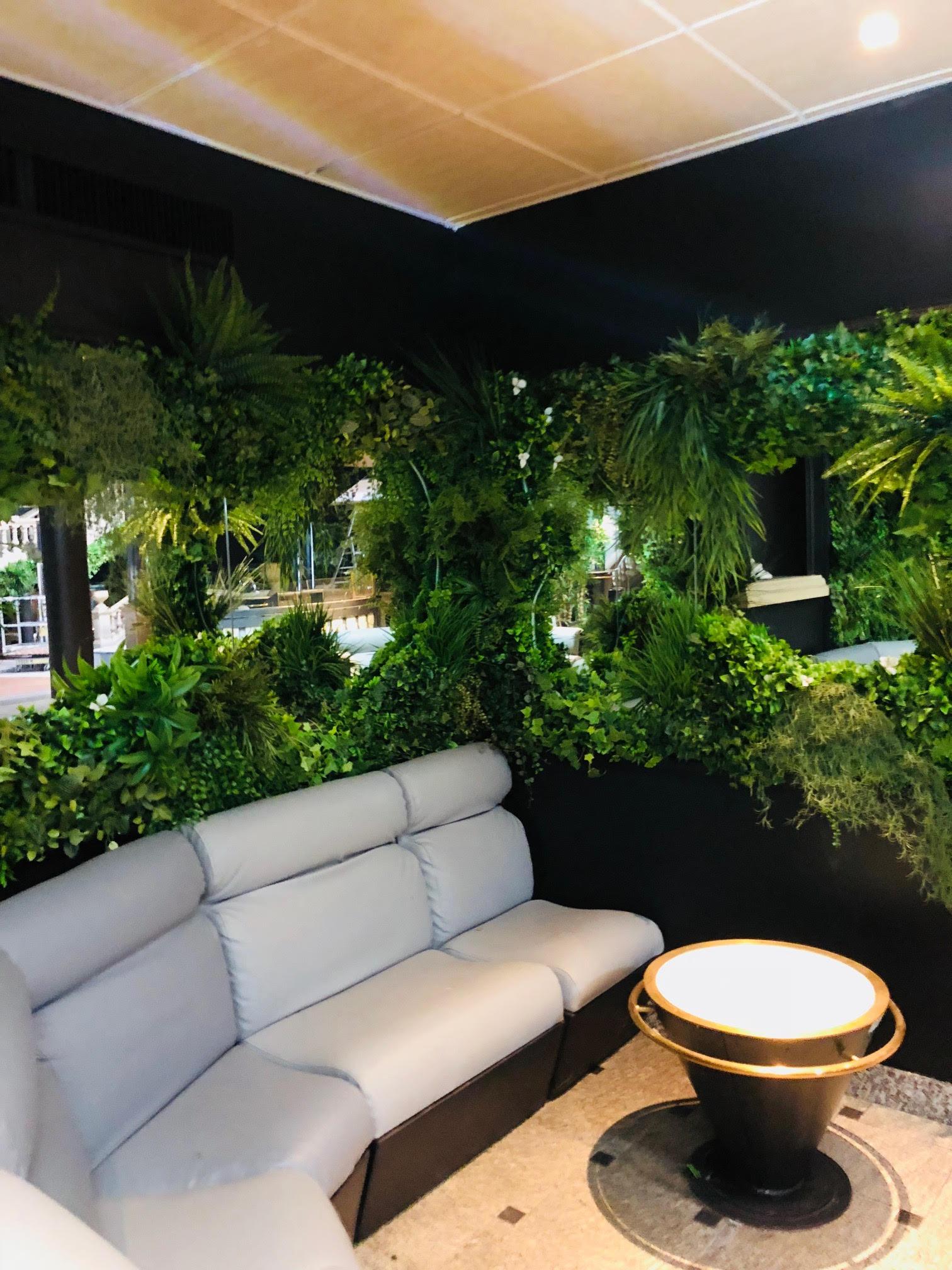 compositions en v g taux artificiels boite de nuit le palacio ivry sur seine vegetal. Black Bedroom Furniture Sets. Home Design Ideas