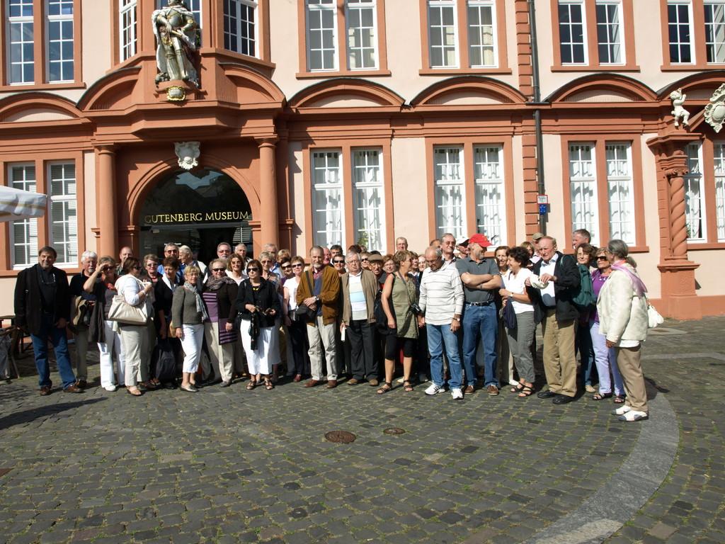 Devant le Musée Gutenberg.