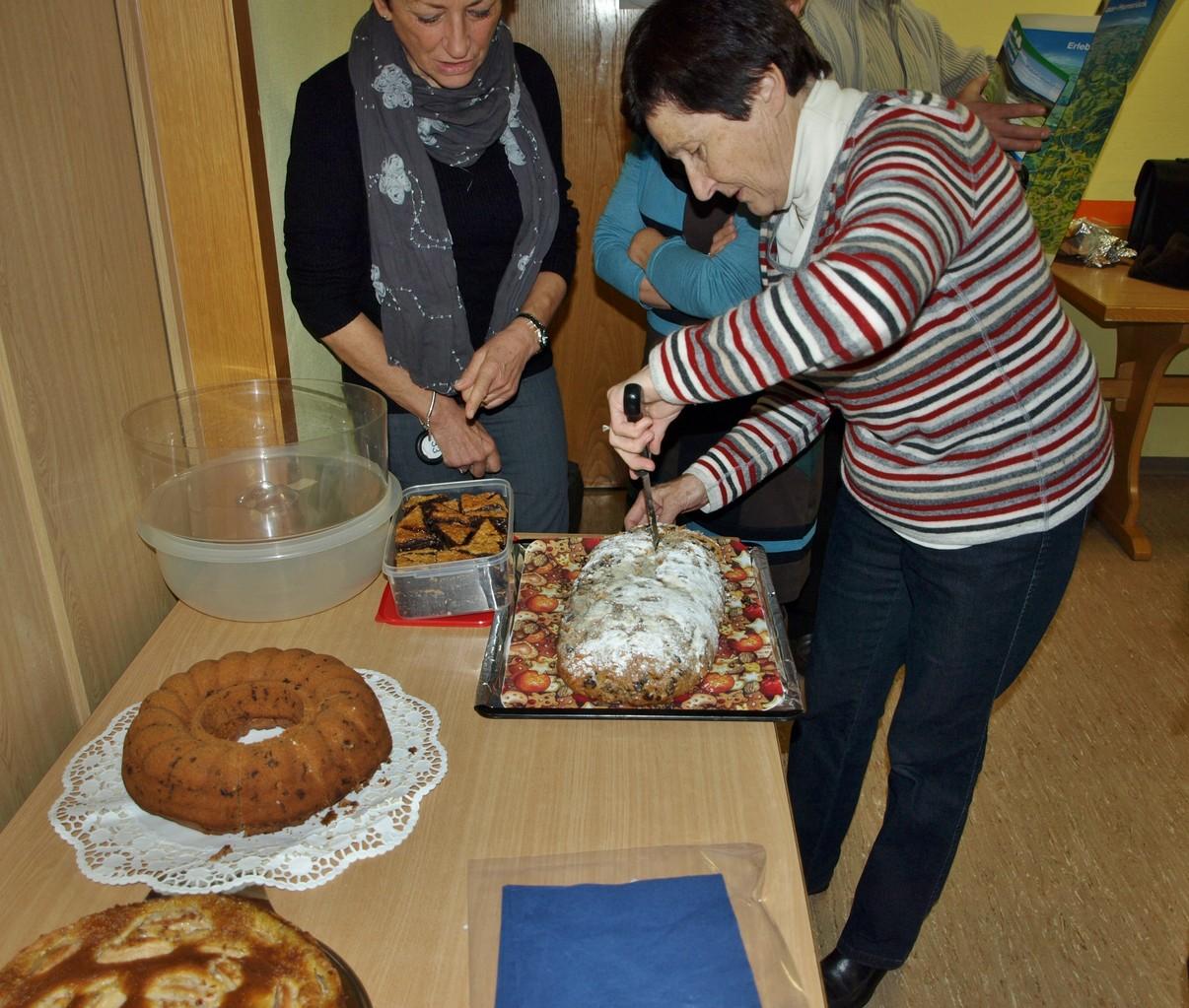 Pause café avec les gâteaux préparés par le comité allemand.