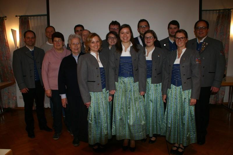 Die aktuelle Vorstandschaft des Musikvereins Reute-Gaisbeuren e.V. mit Kassenprüferin