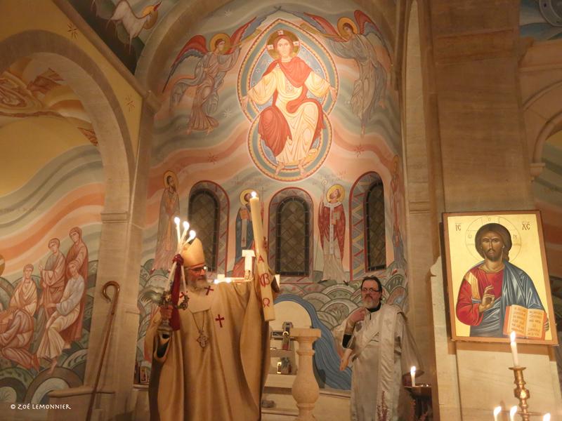 Mgr Martin allume le cierge pascal