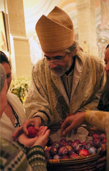 Bénédiction et distribution des oeufs de Pâques