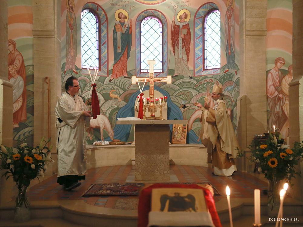 La Divine Liturgie de la fête de Saint Michel, le samedi soir.