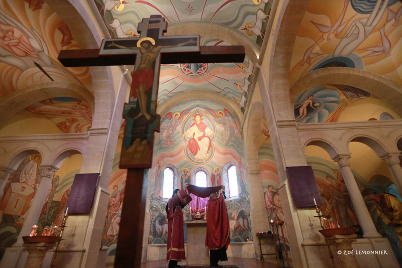 Vendredi Saint - Procession de l'Epitaphios (Icône sur soie de la Descente de la Croix)