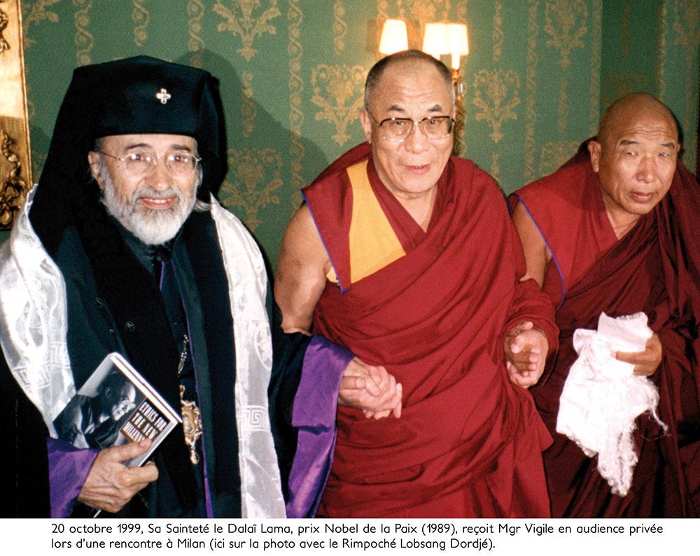7 - ENRACINEMENT ET OUVERTURE - Sa Sainteté le Dalaï Lama reçoit +Mgr Vigile en audience privée à Milan - 1999.
