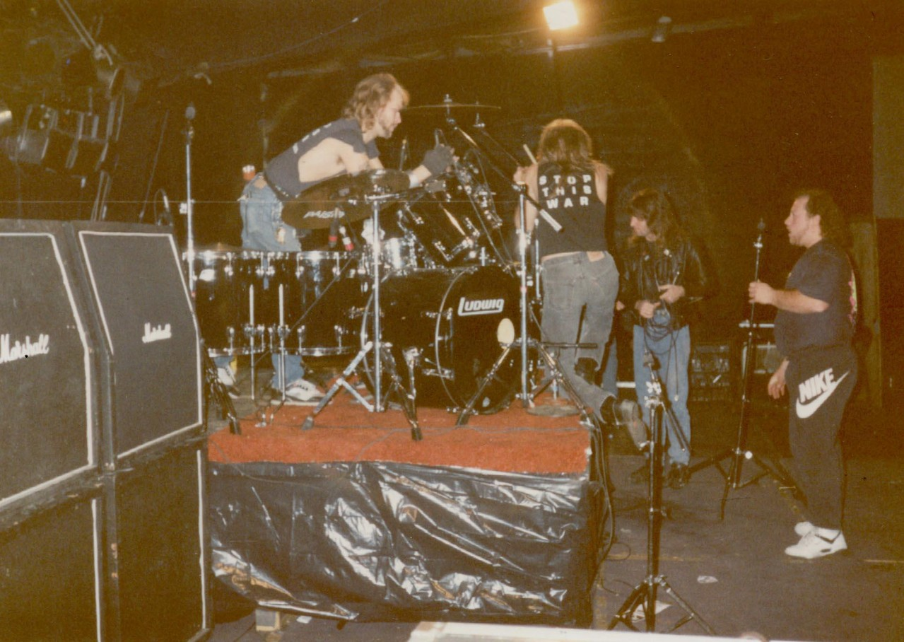 Setting up at the Delta Fourm 1990