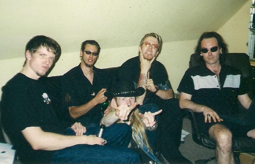 2000 mit Producer Yenz Leonhardt