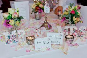 vintage Tischdeko in rosa