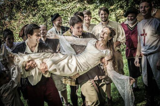 Hochzeitsplaner Berlin und Brandenburg - Mittelalter Hochzeit - Hochzeitsgäste im Mittelalterlook