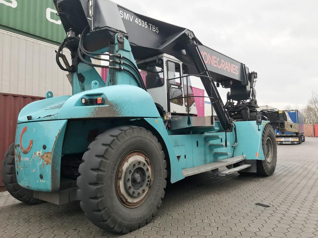 grua contenedores SMV Konecranes SC4535 TB5 2013 puerto Hamburgo Alemania