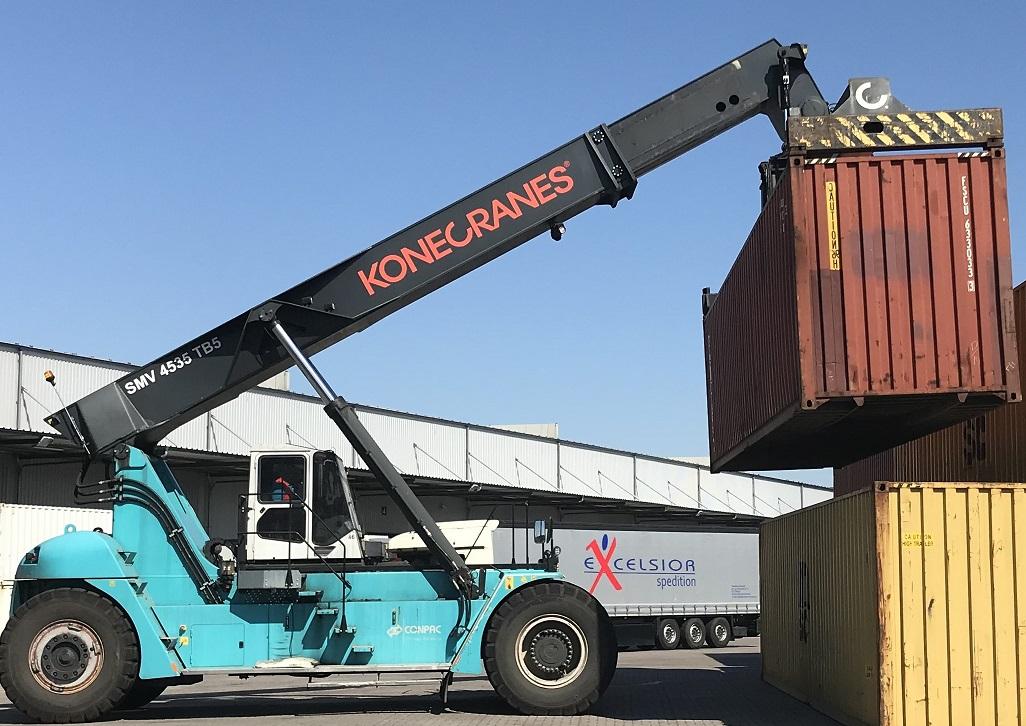 used reachstacker SMV Konecranes SC4535 TB5 2013 lifting 45 tons