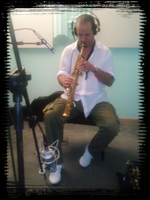Cris Pacini al sax soprano...