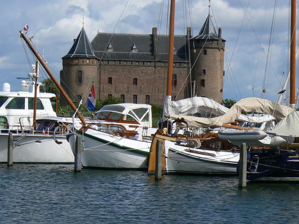 Muidenin satama ja linna